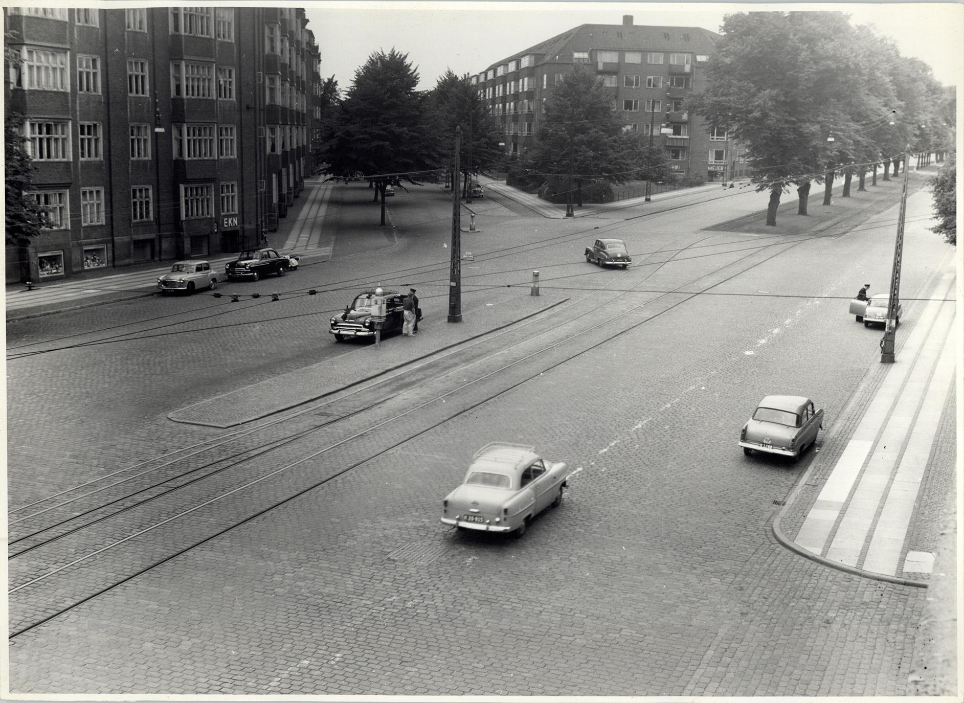 1957-07-30 Borgmester Jensens alle set fra Jagtvej - Stadsingeniørens fotosamling - Negativ 2303